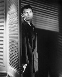 "Jack Palance in ""Sudden Fear"" (David Miller, dir) Classic Film Noir, Classic Films, Jack Palance, Literary Genre, Actor Studio, Dark City, Cinema Film, Crime Fiction, Tough Guy"