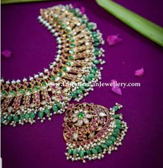 A classic evergreen necklace from Manjula Jewels with rubies, emeralds, uncut and pearls is a perfect compliment to your Kanchivaram. Gold Jewellery Design, Bridal Jewellery, Beaded Jewelry, Kundan Set, Gold Jewelry Simple, Chocker, Jewelry Patterns, Necklace Designs, Indian Jewelry