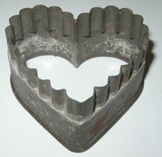 Vtg Very Old Antique Heart Shaped Cookie Cutter Ruffled Flat Edge