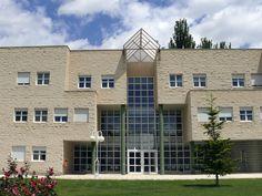 Campus de Teruel. Universidad de Zaragoza. unizar Multi Story Building, Zaragoza, University, Universe