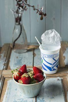 Bulgarian Yogurt with strawberries for breakfast. Bulgarian Yogurt, Granola, Mousse, Strawberry, Sweets, Healthy Breakfasts, Fruit, Desserts, Dairy
