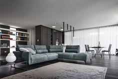 Nicoline – купить мебель итальянской фабрики Nicoline из Италии по низким ценам в PALISSANDRE.ru Furniture Showroom, Sofa, Couch, Wooden Tops, Architectural Digest, Elle Decor, Living Room Decor, Modern Design, House Design