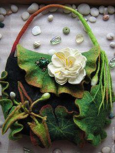 *FELT ART ~ Unusual felted handbag with flowers - Crafts Handmade Handbags, Handmade Bags, Nuno Felting, Needle Felting, Do It Yourself Jewelry, Felt Purse, Felt Art, Felt Flowers, Beautiful Bags