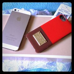 NWT Michael Kors I phone 6 case Never used and is authentic . A IPhone 6 case. Item comes from smoke free home and is red brown with gold accent. Michael Kors Accessories Phone Cases