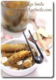 Ogórki kiszone Takie ogórki kiszone uwielbiam. To najlepszy przepis na domowe ogórki kiszone, takie jak kiedyś, żywe, pyszne i zdrowe. Ogórki kiszone jemy właściwie codziennie, doceniając walory zdrowotne kwasu mlekowego no i same smakowe owych ogórków.