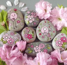 - # painted pebbles - Quick, Easy, Cheap and Free DIY Crafts Rock Painting Patterns, Rock Painting Ideas Easy, Rock Painting Designs, Paint Designs, Pebble Painting, Dot Painting, Pebble Art, Stone Painting, Painted Rocks Craft