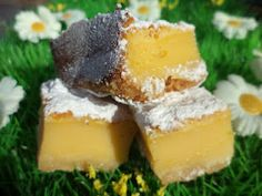Delicious low calorie lemon bars, sweetened with Tagatesse Low Carb Bars, High Protein Low Carb, Healthy Recipes For Weight Loss, Healthy Foods To Eat, Healthier Desserts, Eating Healthy, Great Recipes, Favorite Recipes, Easy Recipes