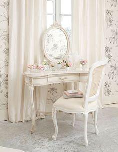 Pretty vanity…Life of a Bachelorette