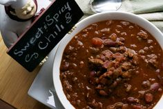 Sweet and Spicy Chili - What the Forks for Dinner? Spicy Recipes, Soup Recipes, Chili Recipes, Yummy Recipes, Spicy Chili, Chili Chili, Good Food, Yummy Food, Mouth Watering Food