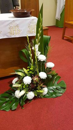 Fantastic Cost-Free natural Funeral Flowers Suggestions No matter whether that you are organizing or even joining, memorials are invariably the sad and occasionally d. Funeral Floral Arrangements, Easter Flower Arrangements, Creative Flower Arrangements, Beautiful Flower Arrangements, Beautiful Flowers, Exotic Flowers, Purple Flowers, Alter Flowers, Church Flowers