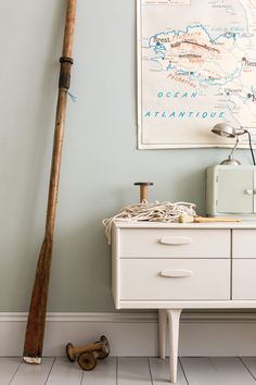 Light blue is very popular for use on the walls of internal halls, especially when the remainder of the house is painted in cooler, more neutral greys - See more at: http://us.farrow-ball.com/light-blue/colours/farrow-ball/fcp-product/100022#sthash.S6dvHNVS.dpuf