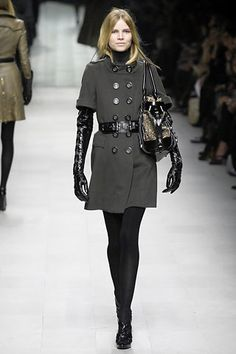 Burberry Prorsum Fall 2007 Ready-to-Wear Fashion Show - Agyness Deyn