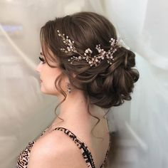 Hairstyle Wedding hair vine Extra Long Crystal and Pearl Hair Piece Flower headpiece Brida. Wedding hair vine Extra Long Crystal and Pearl Hair Piece Flower headpiece Bridal Jewelry Crystal wreath Accessories for bride Headband Vine Wedding Hair And Makeup, Wedding Hair Accessories, Hair Wedding, Hair Piece Wedding, Wedding Hair With Veil Updo, Bridal Hair Updo Elegant, Wedding Hair Styles, Wedding Veils, Wedding Hair Brunette