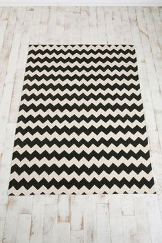 chevron, #designtrend, black and white, rug, decorating, kate spade