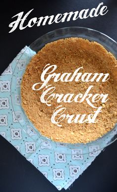 Homemade Graham Cracker Pie Crust - take your pie to the next level by skipping on the store bought crust and making your own!