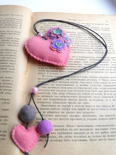 Felt bookmark with a pink heart /back to school/felt by Marywool