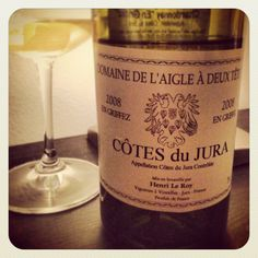 A really cool wine to try this spring season! Domaine De L'Aigle À Deux Têtes Chardonnay from Jura, France. Interesting-w/ notes of salt, key lime, star fruit & lemony goodness. For just under $25 at Sunfish Cellars, MN.