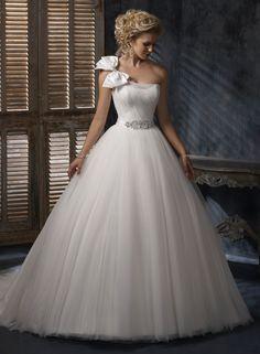 Robe de bal une épaule robe de mariage en organza tulle