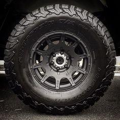 New shoes looking TOUGH!  Pic: @am_i_not_merciful #methodracewheels #bfgoodrich #allterrain @bfgoodrichtires #offroad #4x4 #desert #sand #rockcrawler #adventure #explore #sunday #truckwheels #jeepwheels #wheelporn