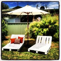 DIY Pallet Daybeds -awesome