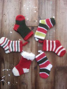 それではクリスマス・ミニソックスの作り方です。(完成品はこちらを見てね)今回は海外ブログLemondedesucretteのAngieさんにお世話になりま...
