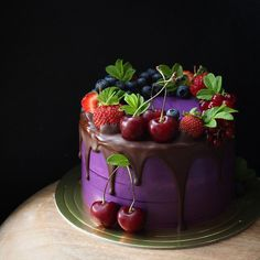 Морковный с орехом пекан,черносливом и карамелью💜💜💜 Pretty Cakes, Beautiful Cakes, Amazing Cakes, Cupcakes, Cupcake Cakes, Easy Birthday Cake Recipes, Fresh Fruit Cake, Birthday Cake Decorating, Dessert Decoration