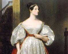 """Ada Lovelace: Nacida en la Inglaterra victoriana de 1815, esta amante de la filosofía y las matemáticas se convirtió en la primera programadora de la historia. Trabajó con Charles Babagge, """"El padre de la computación"""", y en sus notas describió el primer algoritmo destinado a ser procesado por una máquina, motivo por el que el Departamento de Defensa estadounidense bautizó con su nombre un lenguaje de programación."""