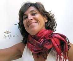 Pañuelo de lana bordado fular rojo bordado pañuelo por katakdesign