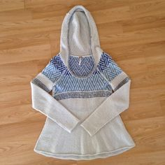 Free people hooded sweater Bought it on poshmark and love it but it doesn't fit right Free People Sweaters