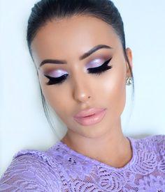 Maquillaje lila y rosa