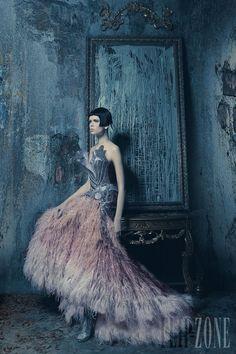 Nicolas Jebran - Haute couture - Printemps-été 2012 - http://www.flip-zone.com/fashion/couture-1/independant-designers/nicolas-jebran-2921
