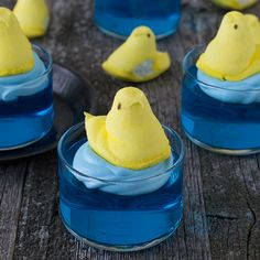 Looking for Fast & Easy Dessert Recipes, Easter Recipes! Recipechart has over 5,000 free recipes for you to browse. Find more recipes like Swimming Peeps Jello Cups.