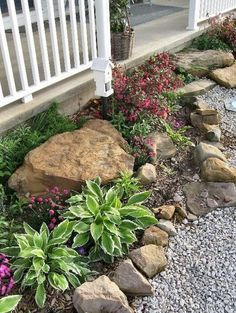 Beautiful Small Front Yard Landscaping Ideas (36)