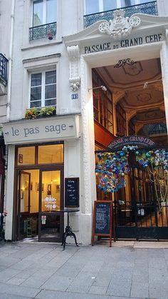 Le passage du Grand-Cerf est un passage couvert situé dans le 2ᵉ arrondissement…