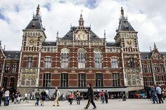Amsterdam kann der perfekte Städtetrip werden, wenn man weiß, wie man die Touristenströme umgeht! Mit Amsterdam Tipps für Essen, Unterkunft und Shoppen!