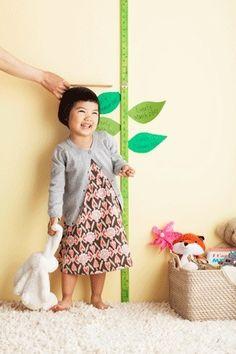 Régua verde para medir o crescimento - colocar folhas com a data, altura e nome das crianças