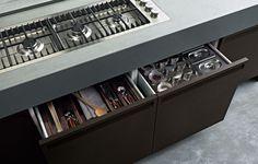 Oak fitted kitchen MINIMAL - Varenna by Poliform