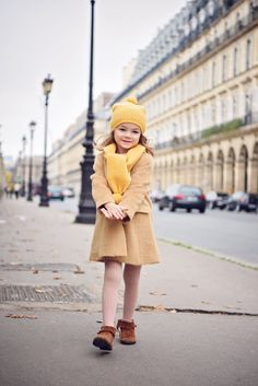 Enfant Street Style by Gina Kim Photography Cute Outfits For Kids, Toddler Girl Outfits, Cute Kids, Cute Babies, Baby Kids, Baby Outfits, Paris Outfits, Street Style Blog, Kids Coats
