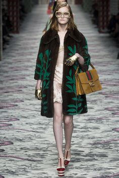Gucci . Milan Fashion Week . primavera verano 2016