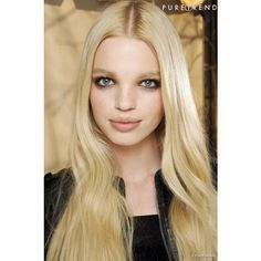 Zoom sur la top Daphne Groeneveld ❤ liked on Polyvore featuring models, daphne groeneveld, people, photo and pictures