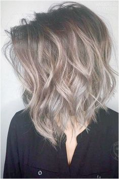 New Hair Color Ideas For Brunettes Balayage Beach Waves Ideas Hair Color Highlights, Hair Color Dark, Hair Color Balayage, Cool Hair Color, Balayage Brunette, Short Balayage, Ombre Hair, Brown Highlights, Balayage Straight