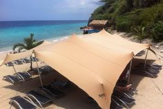 Tentjes nodig?? Deck Shade, Tensile Structures, Fabric Structure, Sun Lounger, Tiny House, Bamboo, Solar, Tents, City