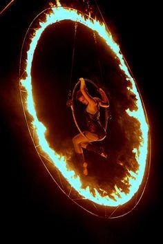 Fire hoop/Lyra