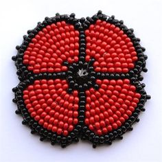 Native Beading Patterns, Beadwork Designs, Native Beadwork, Bead Loom Patterns, Knitted Poppies, Diy Xmas Gifts, Poppy Brooches, Poppy Pattern, Bead Sewing