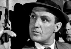 Eliot Ness (Robert Stack)