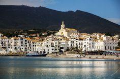 El encanto de #Cadaqués en la #CostaBrava http://www.viajarabarcelona.org/ciudades-cercanas/costa-brava/ #turismo #viajar #Catalunya #mar