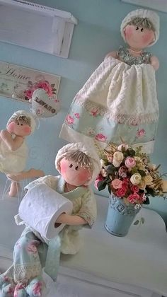 Muñecas porta rollo y para la toalla