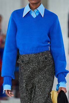 Victoria Beckham Fall 2020 Ready-to-Wear Fashion Show - Vogue Fashion Line, Fashion 2020, Fashion Show, Fashion Outfits, Womens Fashion, Victoria Beckham News, Parisienne Chic, Outfits Mujer, Winter Mode