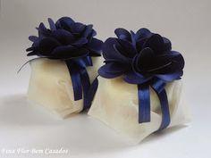 bem casado, bem casados, brasília, DF Chocolate Flowers Bouquet, Gift Wrap Box, Baby Shower, Box Cake, Gift Packaging, Bridal Collection, Wedding Gifts, Wedding Ideas, Pantone