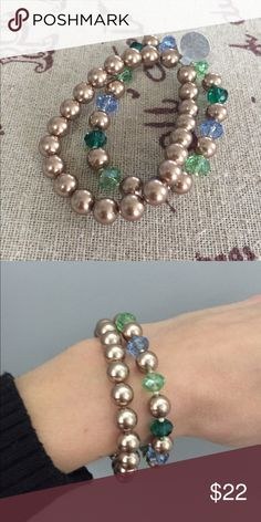"""🌸 Glass bead/pearl bracelet set 🌸 Warm bronze brown glass pearl bracelet with coordinating pearl and faceted periwinkle, pale green, and emerald green glass beads. Features tiny silver accent beads. Understated and elegant. Both are stretch 7 1/2"""" lengths. Jewelry Bracelets"""